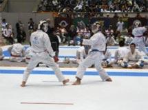 空手道競技 少年男子 工藤 尚哉(左) (組手 第5位)