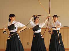 弓道競技成年女子